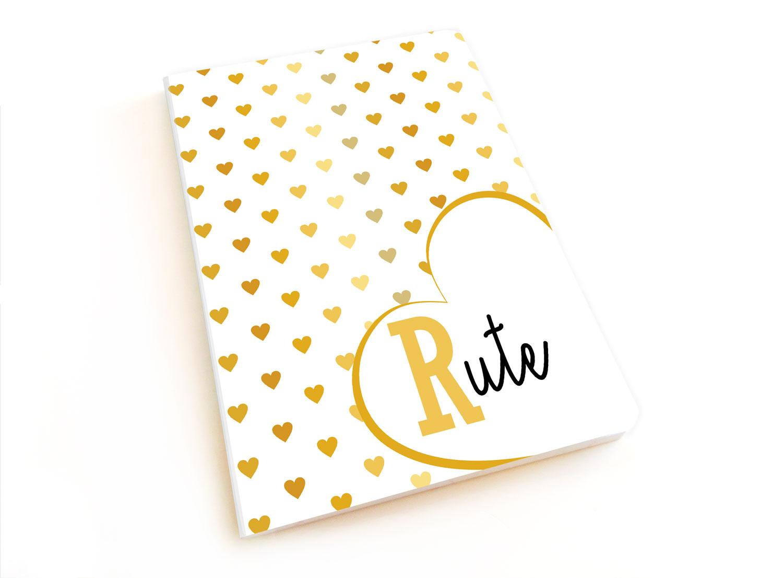 4dff075f5f4 Caderno personalizado com nome - tema dourado com corações