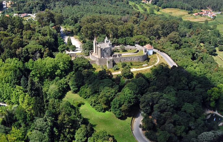 Castelo Santa Maria da Feira - Family Secrets Residences