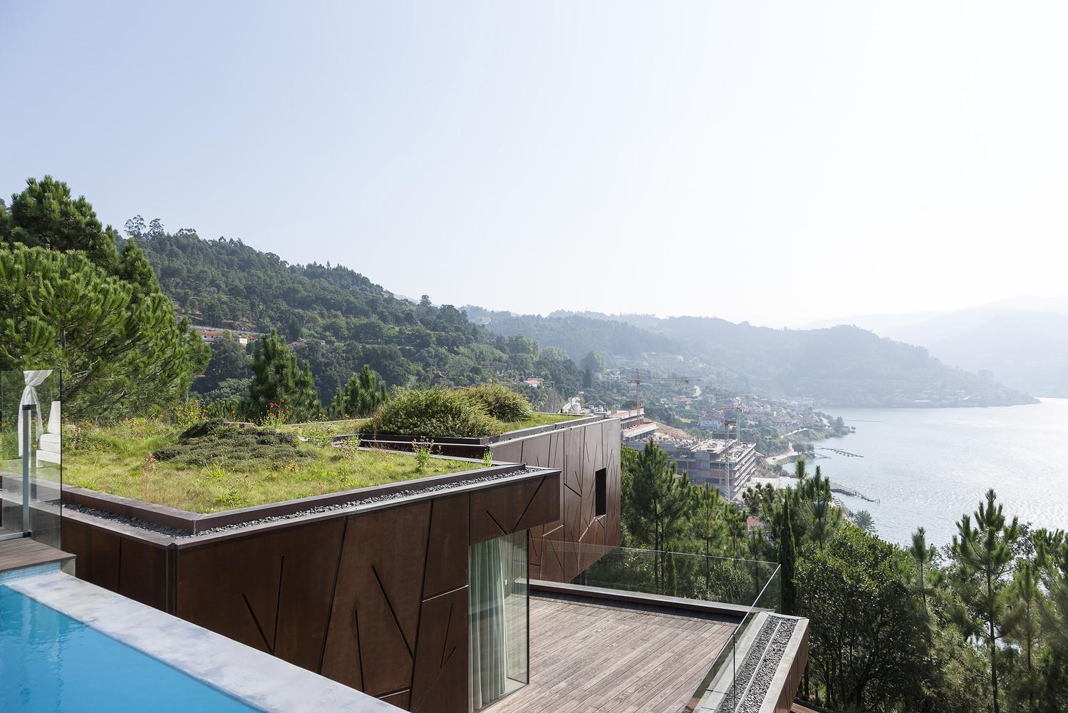 Casa Vale do douro Mjarc Arquitectos